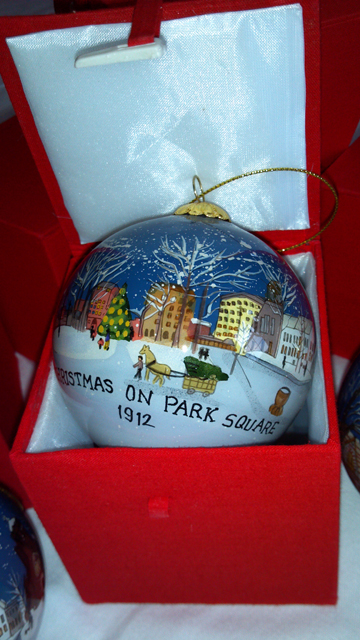 Pittsfield Holiday Globe